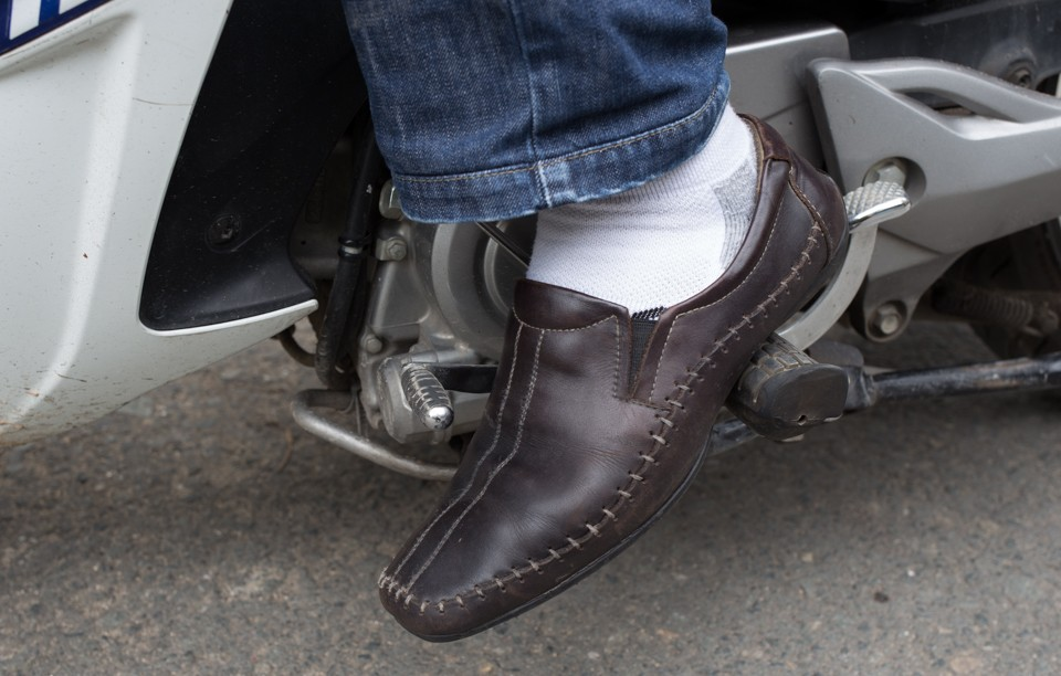 hướng dẫn lái xe côn tay chi tiết uy tín